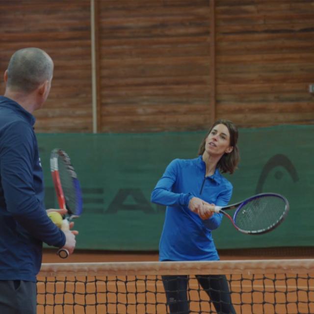 Bagnoles Orne Experiences Video Serie Portrait Tuto Rencontre Lecon Tennis Conseil Coach Jenny Pausecitron