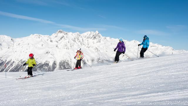 Ski alpin en famille sur l'Alpe d'Huez Grand Domaine