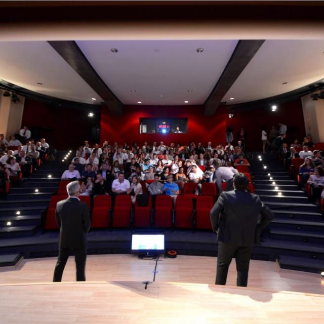 centre-des-congres-et-seminaires-du-phare-de-la-mediterranee-1449739783-15493.jpg