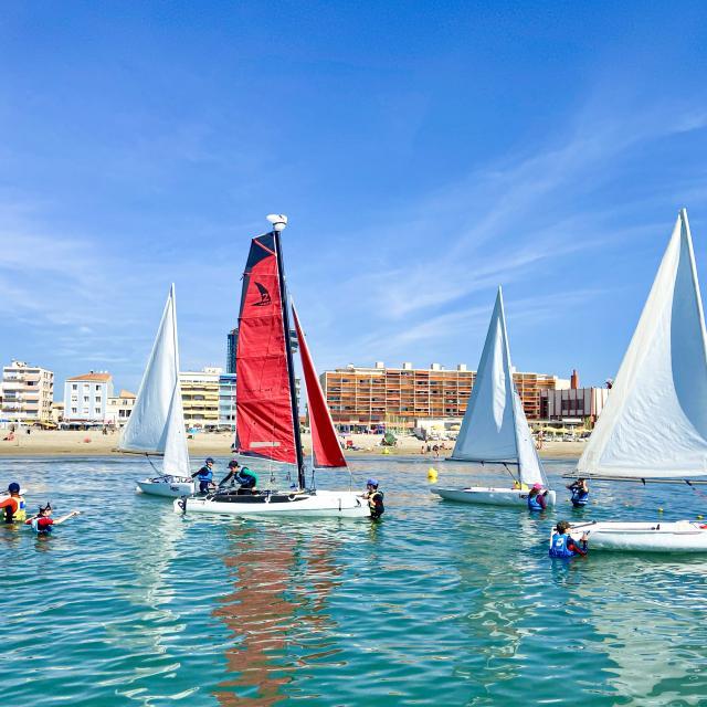 4 bateaux à voile pour une sortie en mer