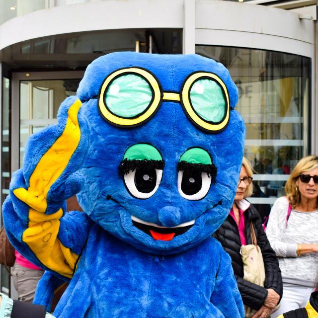 Mascotte bleue Pouply