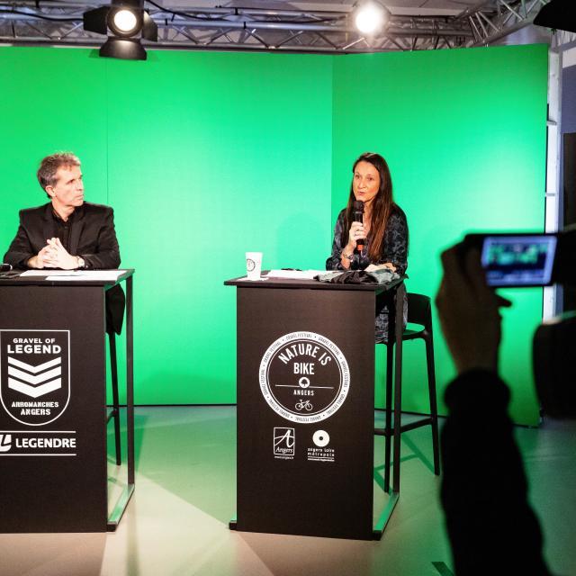 Conférence de presse Gravel of Legend Nature is bike avec Thierry Gintrand et Mathilde Favre d'Anne