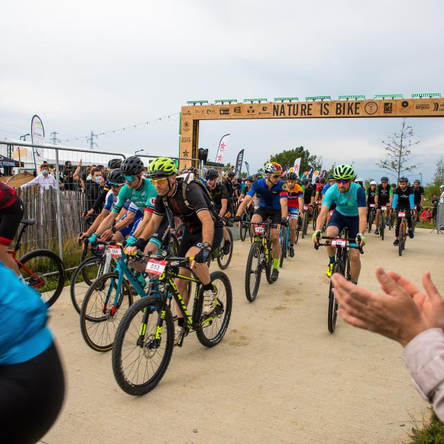 Nature is bike 2021, départ de la course Gravel Night