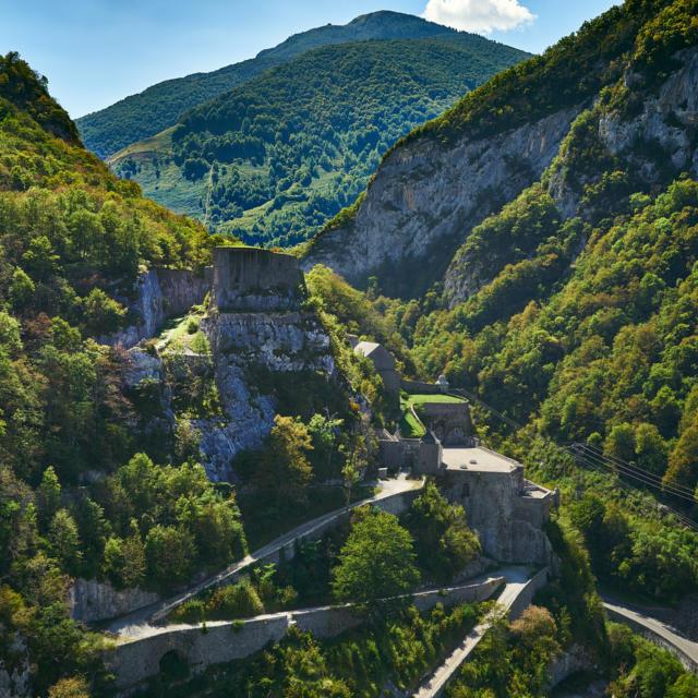 Vue du Fort du Portalet depuis le Chemin de la Mâture