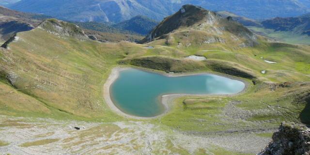Lac du Montagnon d'Iseye en forme de coeur