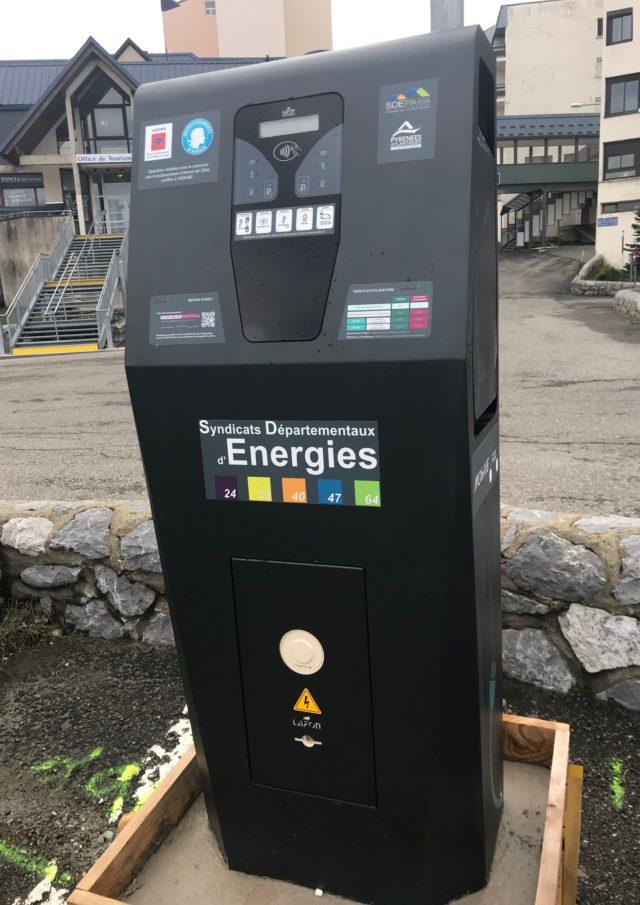 Borne de charge pour véhicule électrique à La Pierre Saint-Martin