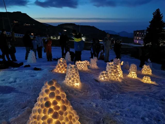 Animación bolas de nieve luminosas La Pierre Saint-Martin