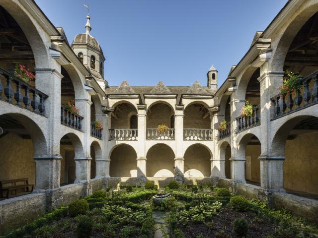 Sites patrimoniaux en Pyrénées Béarnaises (musées, églises, cloître...)