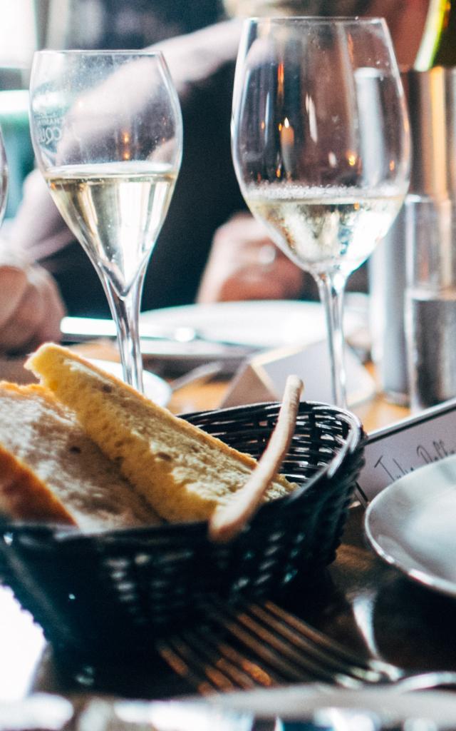 Manger pour le déjeuner ou le dîner dans les restaurants des Pyrénées Béarnaises
