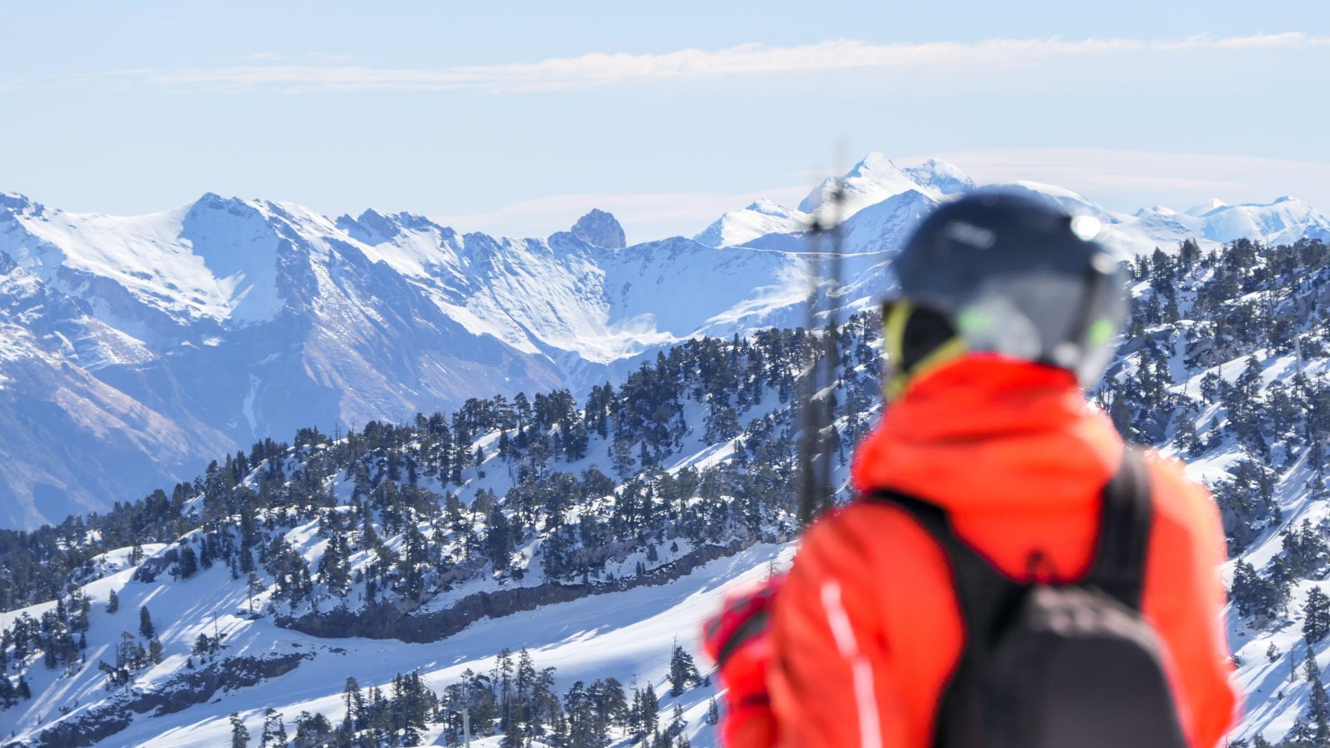 Skieur à La Pierre Saint-Martin en Pyrénées Béarnaises