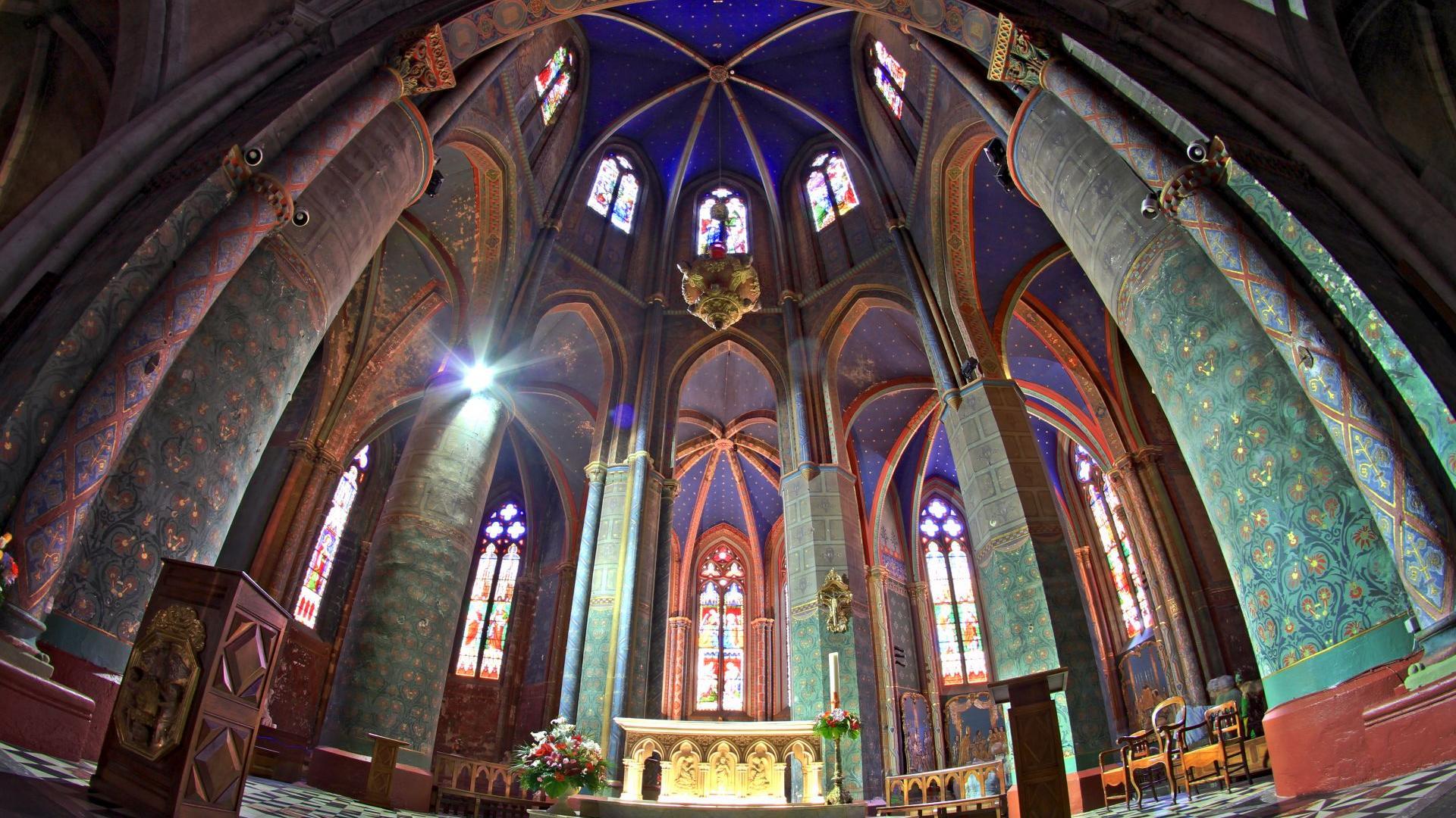 Chœur de l'ancienne cathédrale Sainte-Marie d'Oloron, classée au Patrimoine Mondial de l'Humanité par l'UNESCO sur les chemins de Saint-Jacques de Compostelle (Pyrénées béarnaises)