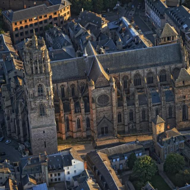 Vue latérale de la cathédrale de Rodez