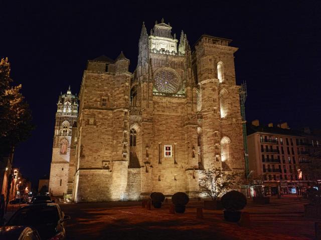 Cathédrale vue de nuit