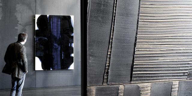 Outrenoir dans une salle du musée Soulages à Rodez