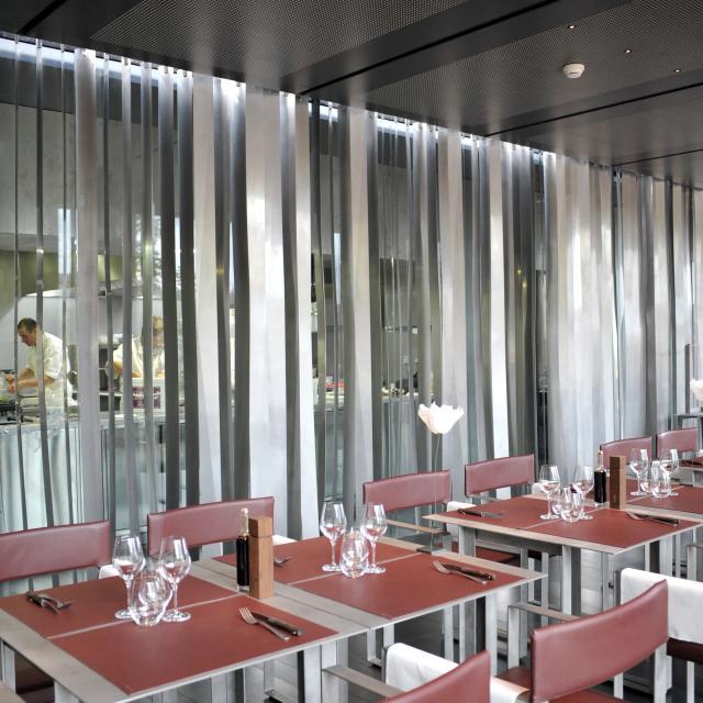 Salle de restaurant du Café Bras à Rodez