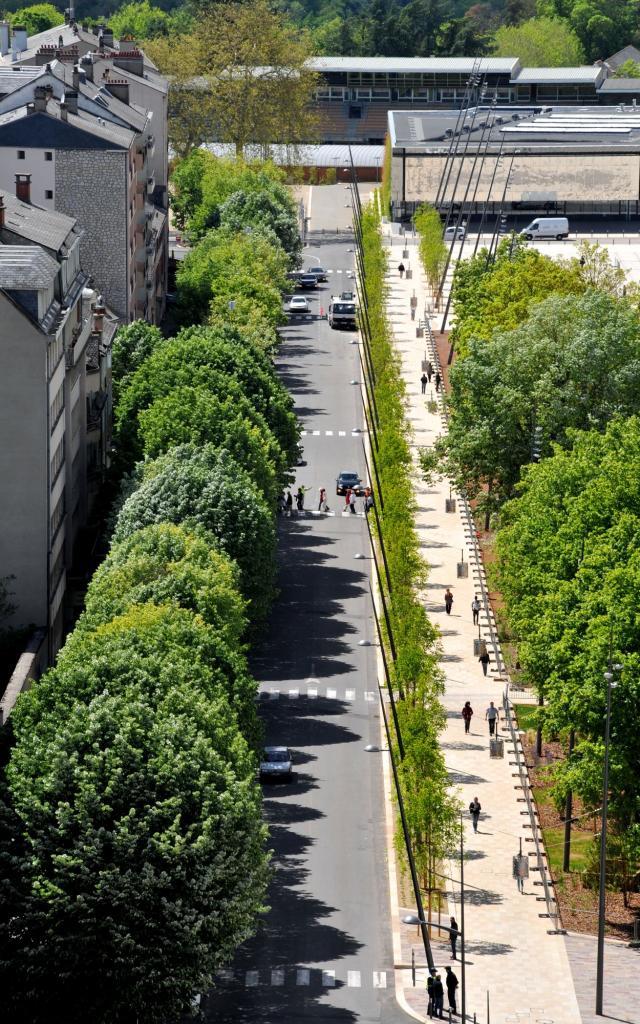 Vue sur l'avenue Victor-Hugo à Rodez