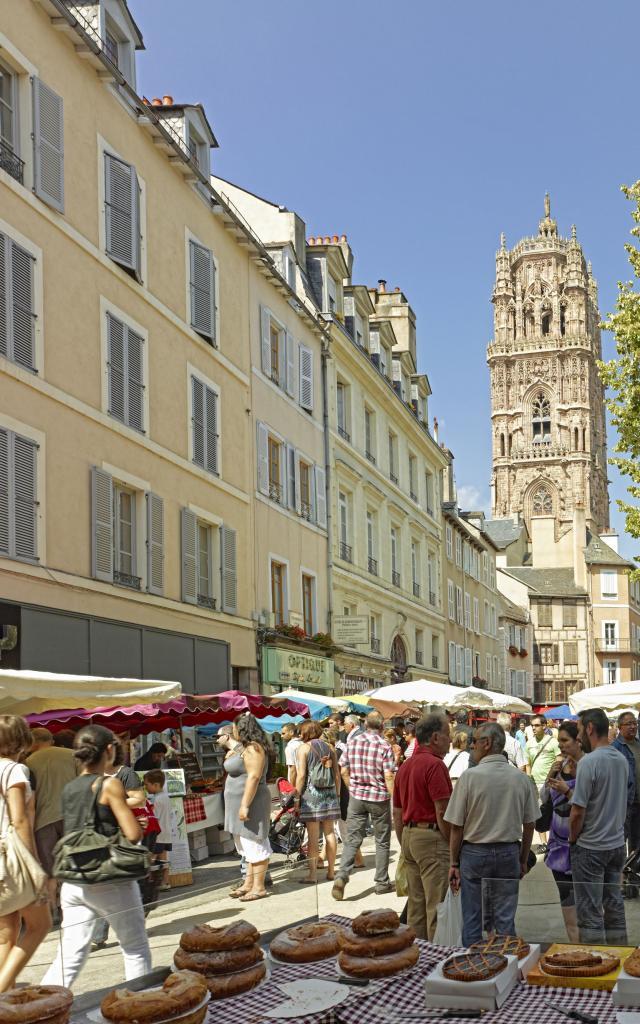 Marché du samedi, Place de la Cité à Rodez