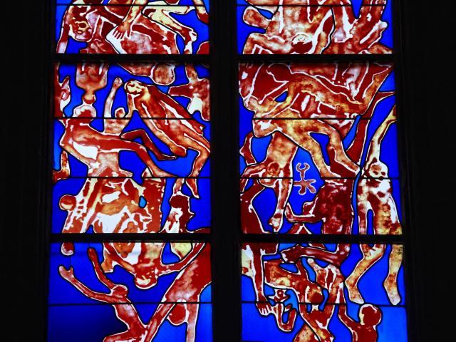 Vitraux contemporains de Belzère dans la cathédrale de Rodez
