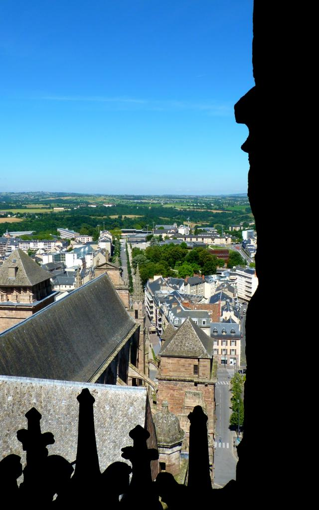 Vue sur l'avenue Victor-Hugo depuis le clocher de la cathédrale
