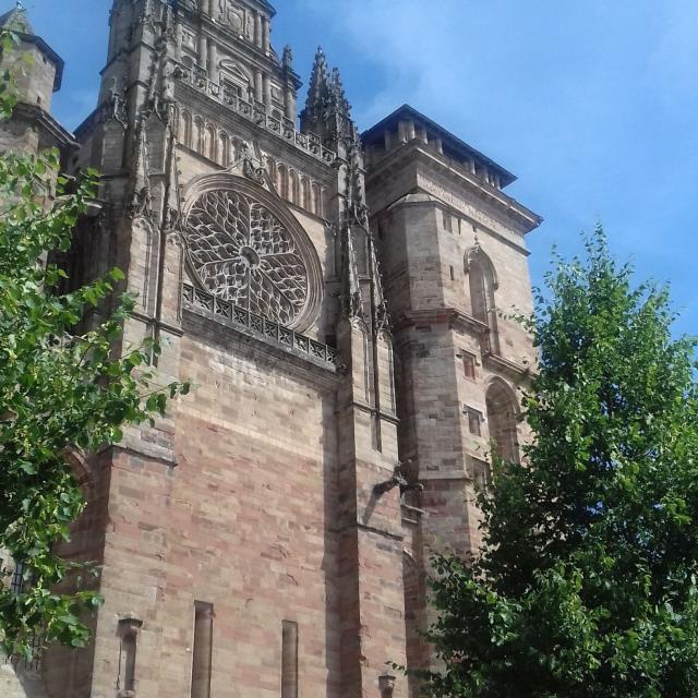 Au pied de la cathédrale de Rodez