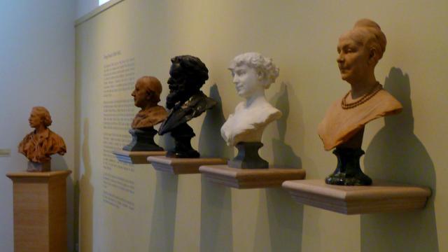 Sculpture de portraits au musée Denys-Puech de Rodez