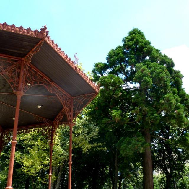 Kiosque dans le jardin public de Rodez