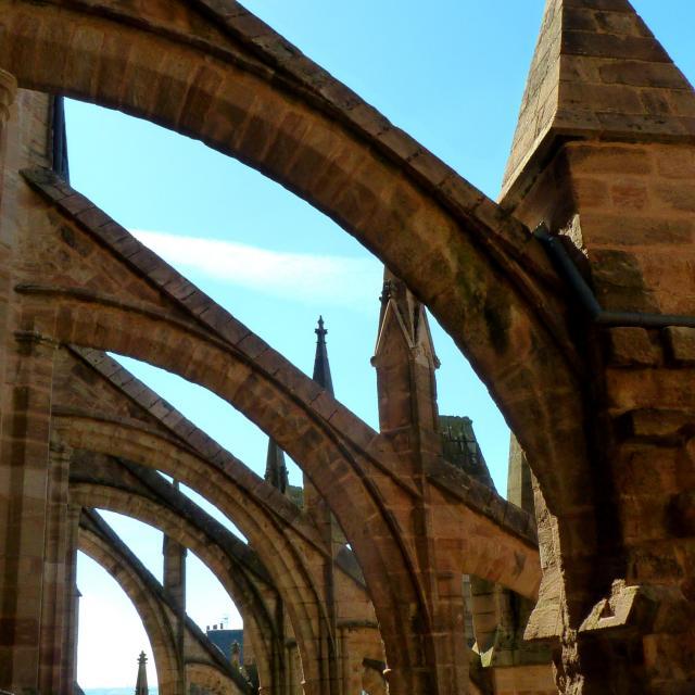 Les arcs boutants gothiques de la cathédrale de Rodez