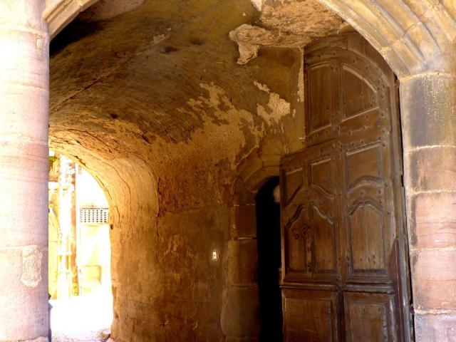 Passage pavé vers la cour de la maison de Benoit de Rodez