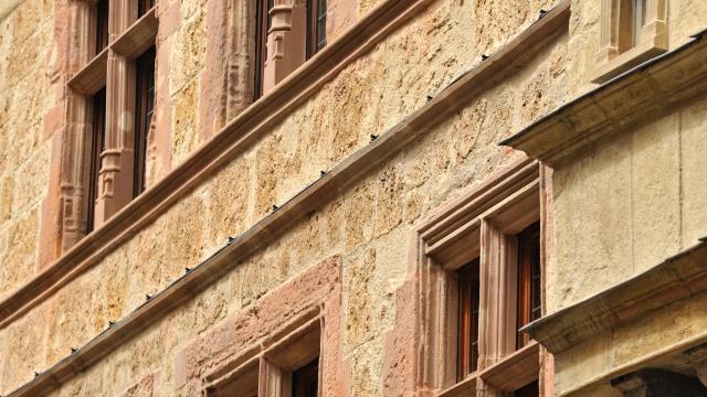 Fenêtres d'une maison ruthénoise