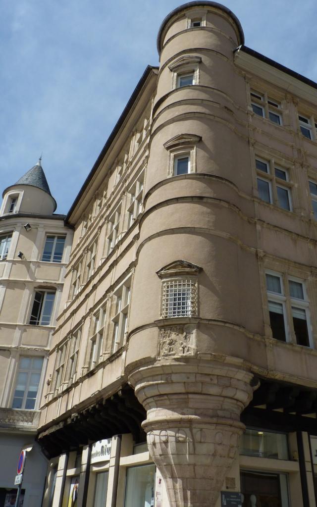 Tour de la maison de l'Annonciation à Rodez