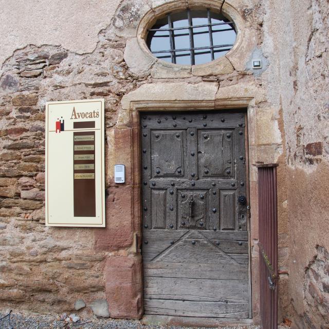 Porte du château de Castelgailhard à Olemps