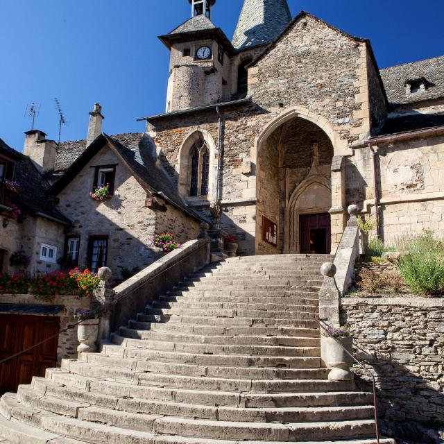 Eglise du village d'Estaing