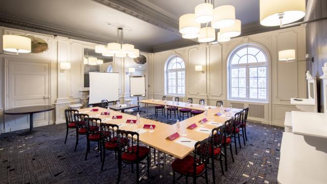 Salle de réunion à l'hôtel Mercure