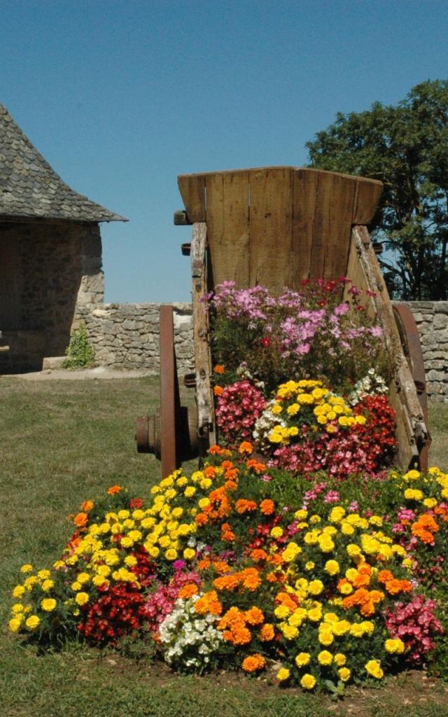 Parc fleuri à Sébzac-Concourès
