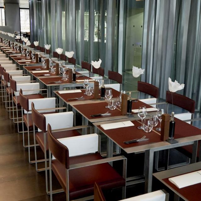 Tables du Café Bras