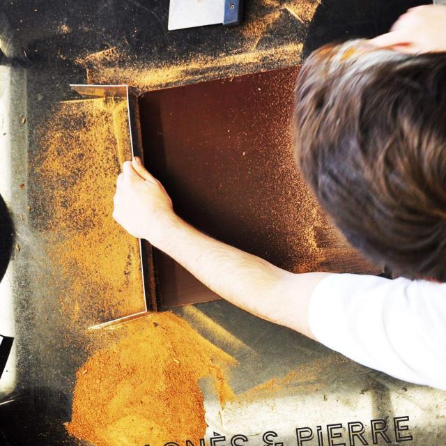 Préparation de chocolat par Agnès & Pierre
