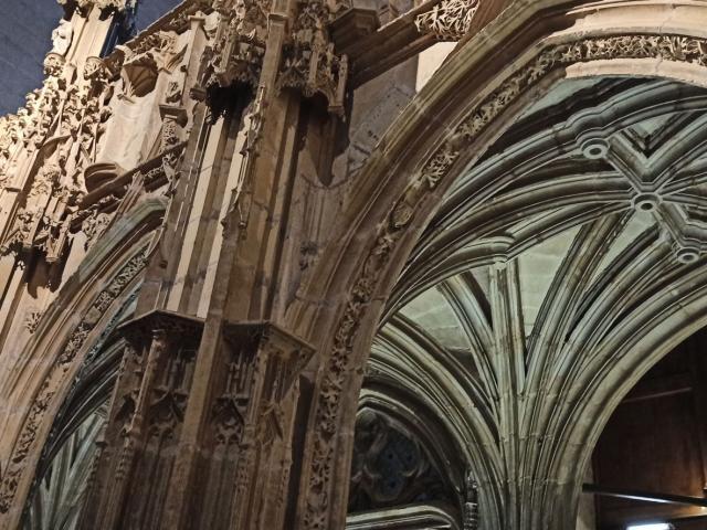 Jubé à l'entrée de la cathédrale