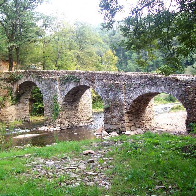Pont de Comencau à Druelle Balsac