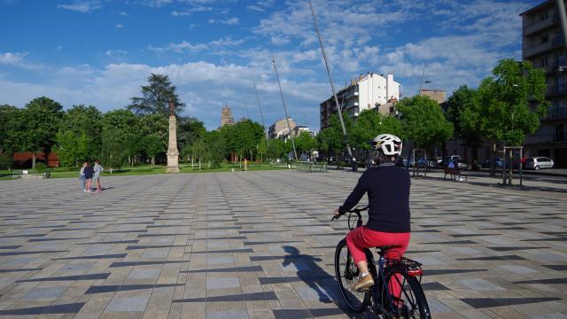 L'esplanade des rutènes à vélo