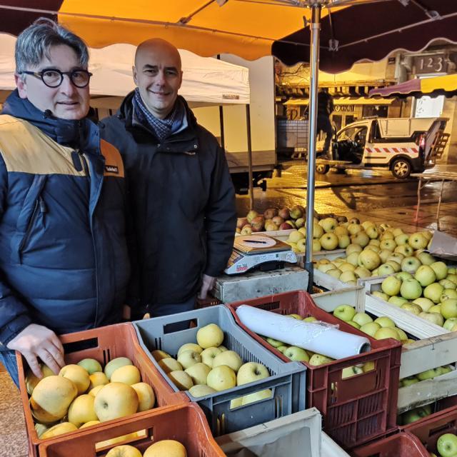 Le chef Chaillou et son maraîcher au marché