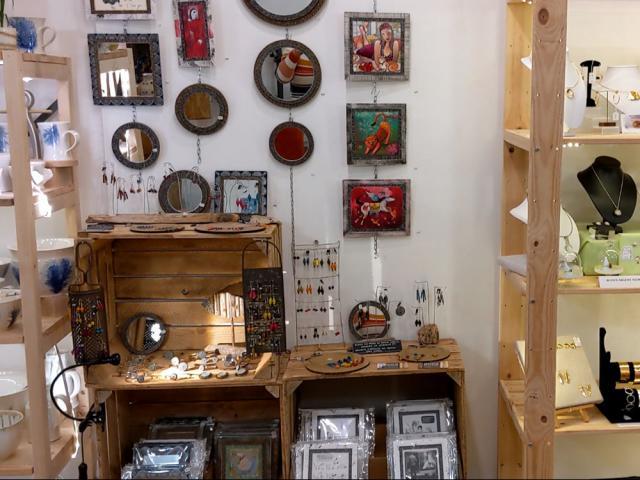 Boutique d'artisanat local Le Bal des Créateurs