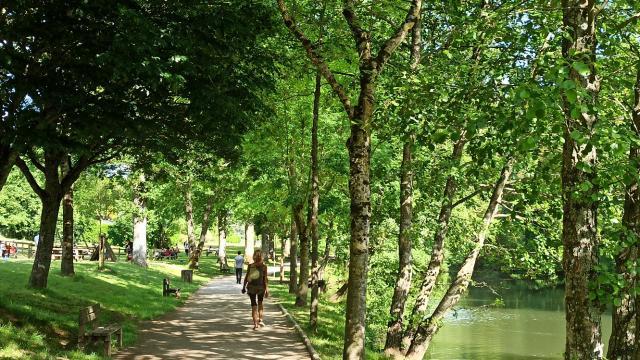 Layoule Promenade Riviere