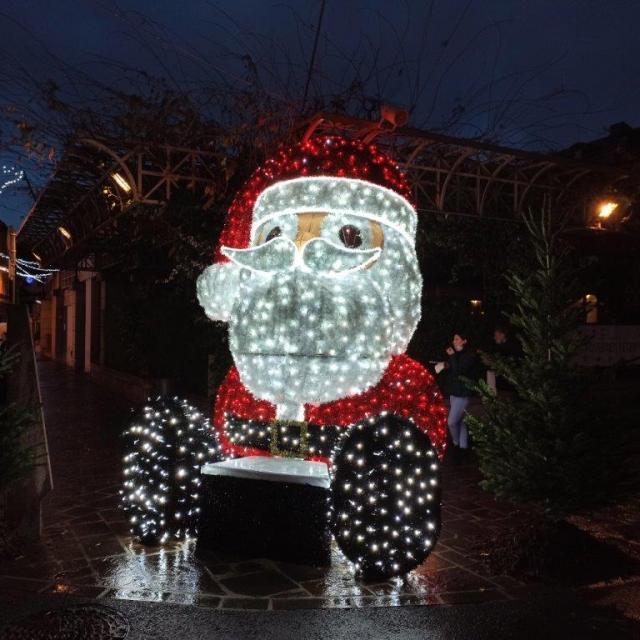Père Noël, place Raynaldy