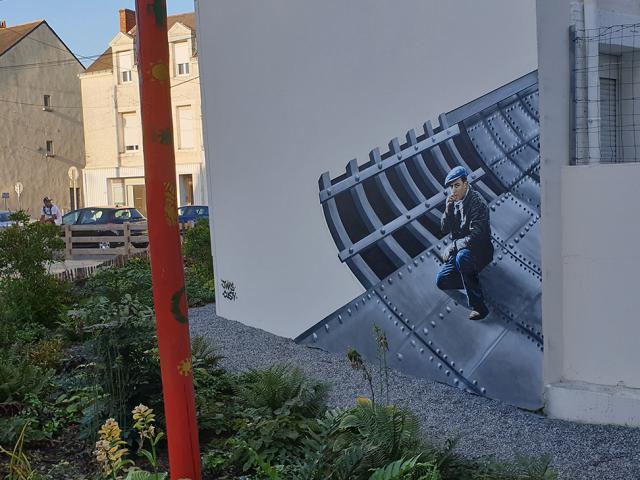 street-art-man-penhoet.jpg