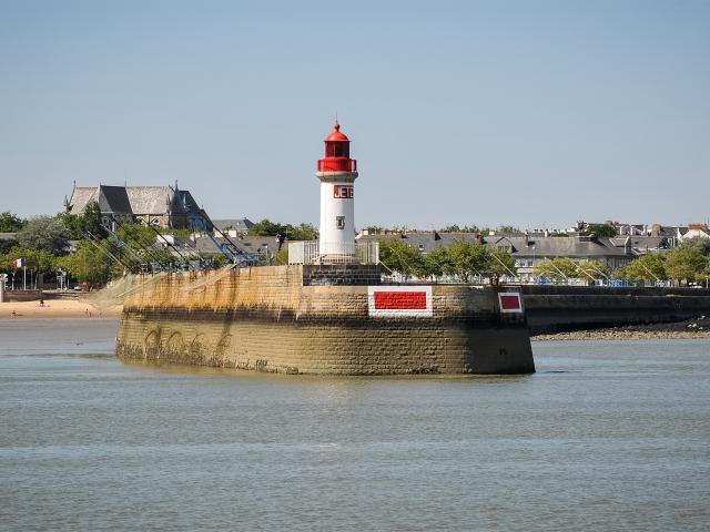 croisires-phare-port-saint-nazaire-m-leduc.jpg