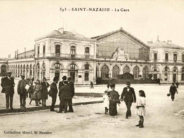 place-de-la-gare-au-debut-du-20e-sieclecollection-saint-nazaire-agglomeration-tourisme.jpg