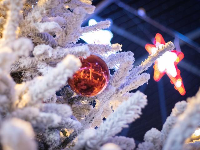 Décorations de Noël Saint-Nazaire 2020 rues commerçantes Le Paquebot