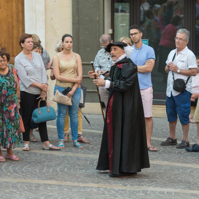 Sur Les Pas De Nostradamus 6