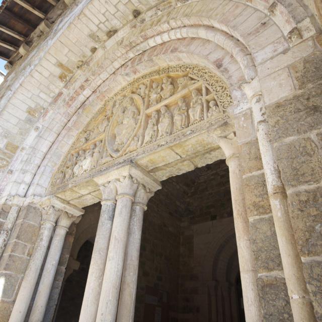 Portail d'entrée du cloître de Carennac