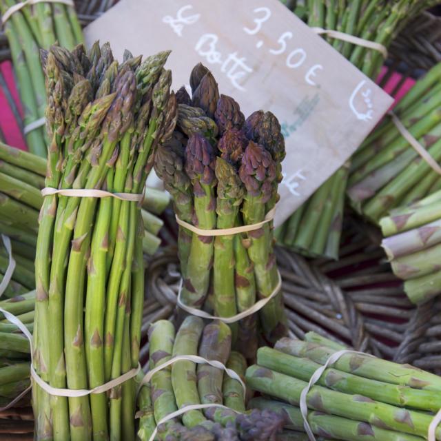 asperges sur le marché de Sarlat